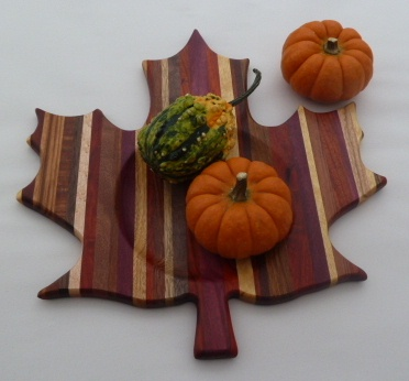 how to make a wooden maple leaf